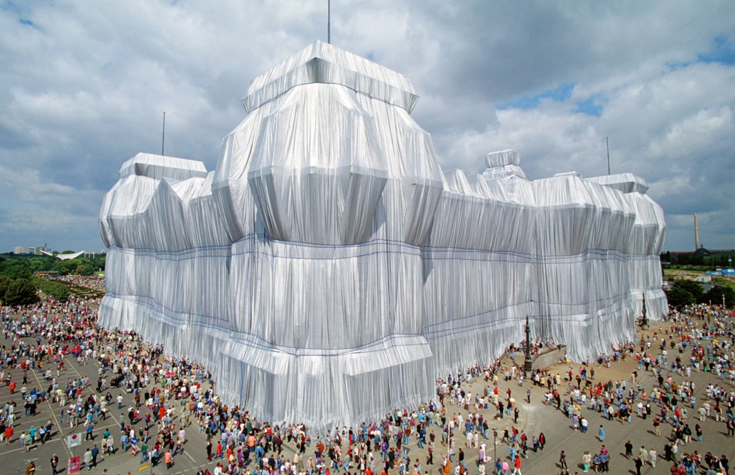 """EDIFICIO DEL REICHSTAG"" ©Photo: CHRISTO"